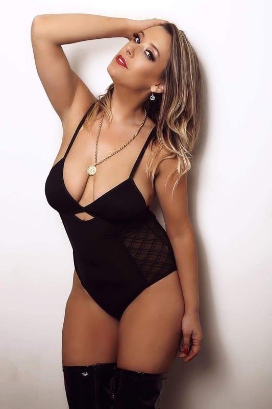 Female Stripper Melbourne - Skye Summer